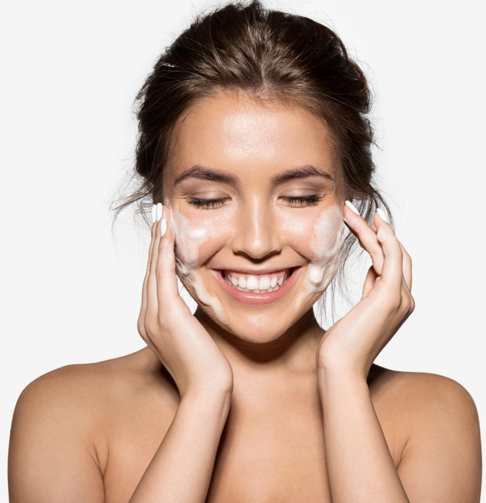 cleansing woman smile numelab skincare